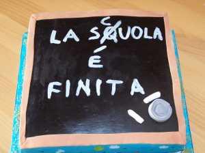 torta-la-scuola-c3a8-finita-21